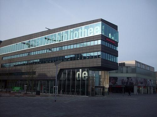 Hovedbiblioteket i Almere. (Foto: amyinholland)